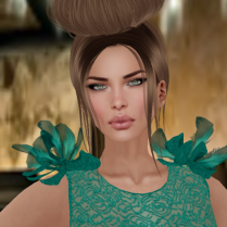 Miriam in Pineapple